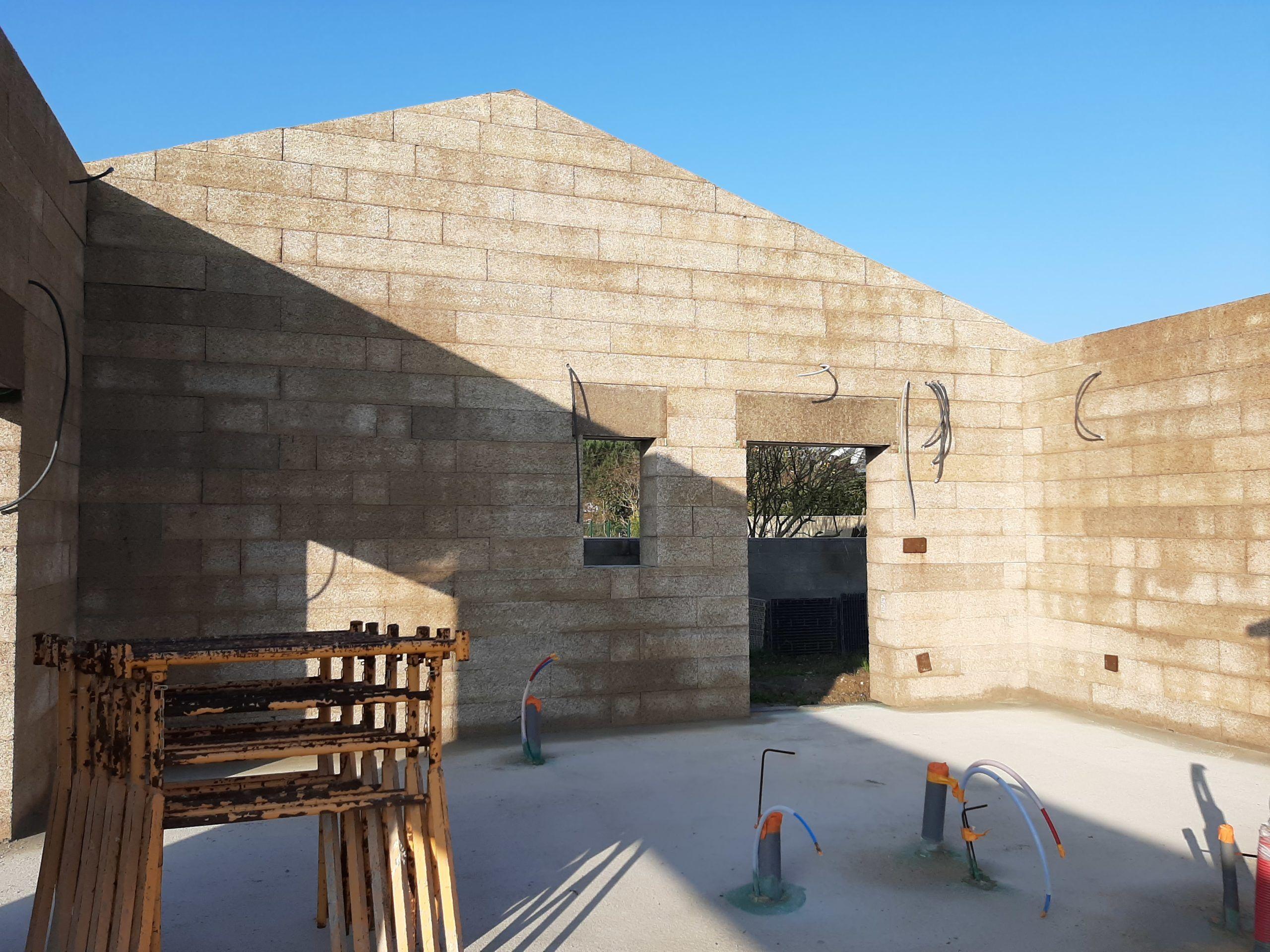 Maison IsoSpan à Olonne sur mer : mur et pignon
